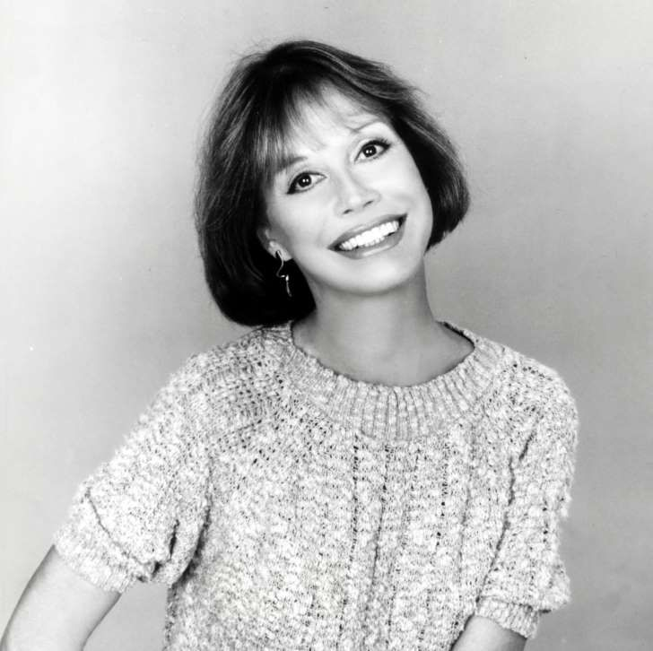 Mary Tyler Moore dies at age 80 on 1/24/2017 .  She was a type I diabetic and suffered other health issues.