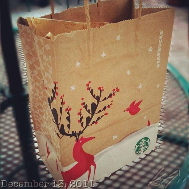 会社のクリスマスパーティー用のプレゼント交換の品 #starbucks #philippines