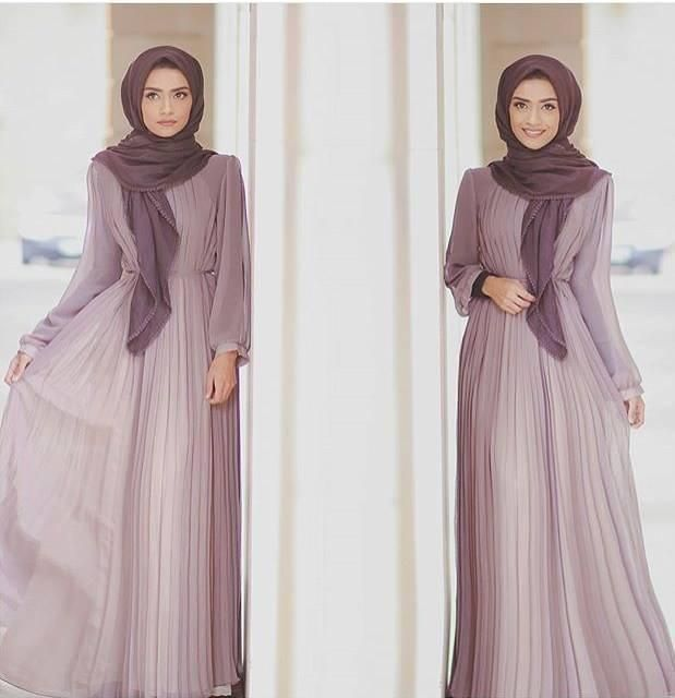 Pinterest: @eighthhorcruxx. Pleated abaya with cinched in waist