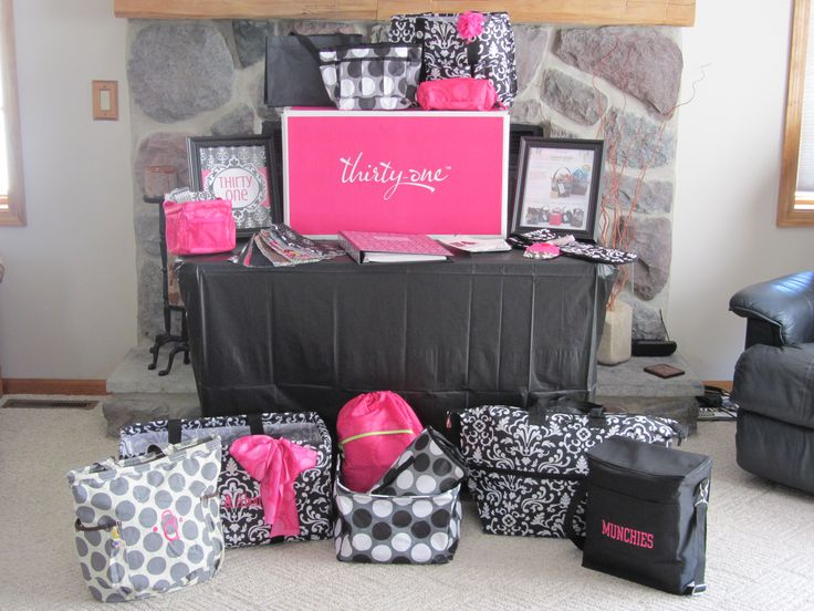 Thirty-One party display. Go to www.mythirtyone.com/KatSteel if you'd like to purchase from Thirty-One. I'd love to assist you!