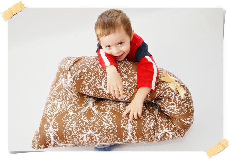 O perna pentru relaxare, anti dureri spate si pentru gravide. Numai buna de dormit bine! http://pernegravide.ro/perna-bastonas