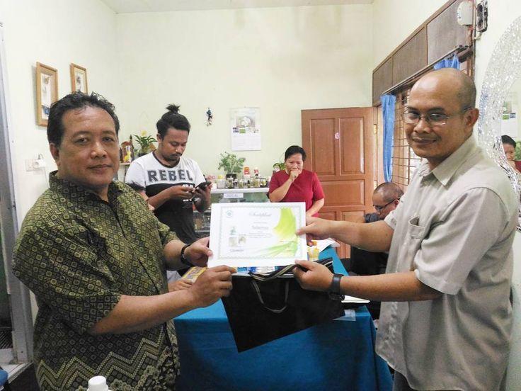 Terimakasih Bapak Sulaeman dari Bandung   #tissueculture #kulturjaringan #kuljar #skalarumahtangga #visitbogor #pelatihan #bogorpisan #kunjungan #eshaflora #wilayahbogor  #infobogor #pelatihan #privat #pelatihankulturjaringan #reguler