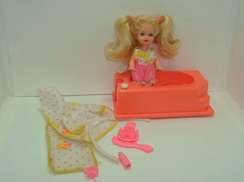 1995 bathtime fun kelly doll with pink bathtub