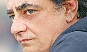 Ο Ακάλυπτος μετά τον χωρισμό του είναι και πάλι ερωτευμένος. Δείτε με ποια   Λίγο μετά τον χωρισμό από την επίσης ηθοποιό σύντροφό του ο Αντώνης Καφετζόπουλος φαίνεται πως ξανασυνάντησε τον έρωτα!  from Ροή http://ift.tt/2rehjnF Ροή