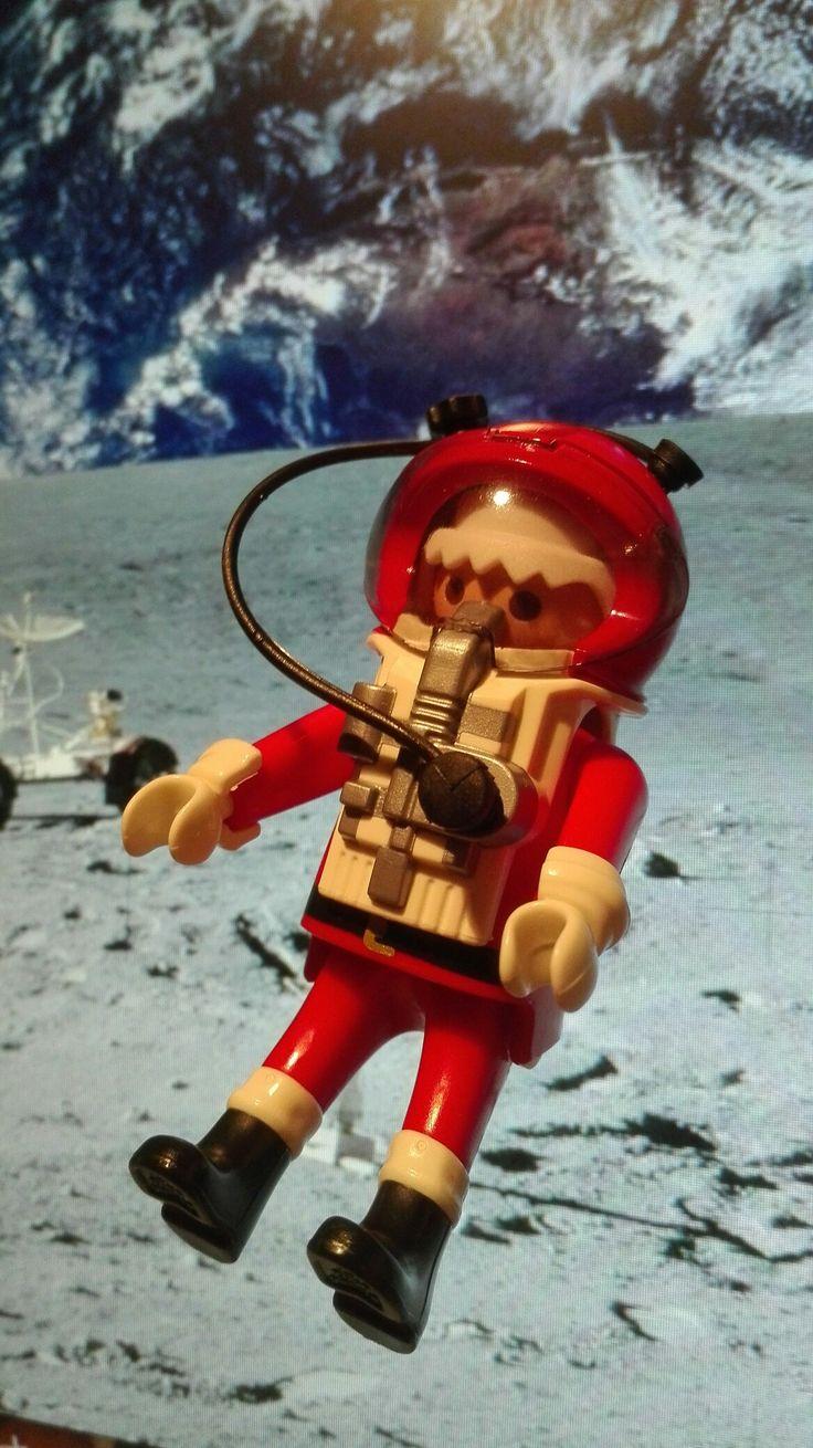 Moon Xmas by Doktor Toys #playmobil hopefully it's Christmas everywhere