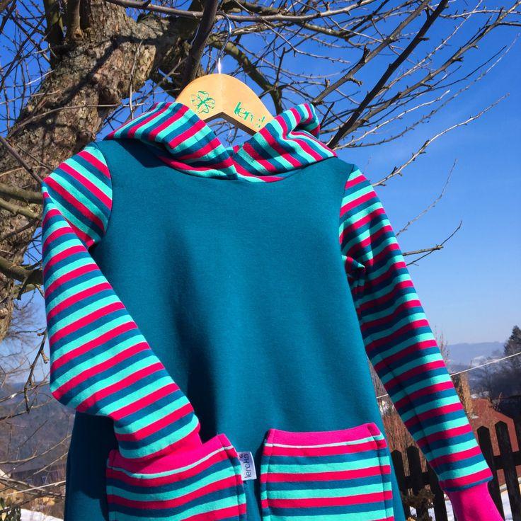 """tunika/šatičky ... PROUŽEK SEM, PROUŽEK TAM - dívčí šaty/tunika z bavlněného úpletu, slušivý střih, který umožňuje malým slečnám volný pohyb nožek při hraní a běhání - pohodlné pro všední i sváteční dny - slouží nejen jako šatičky, ale i jako slabší mikino/šaty šatičky ve velikostech """"KLASIK"""" a """"SLIM""""..."""