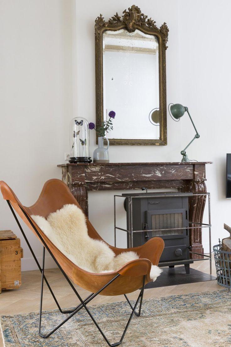 Leather butterfly chair | Styling Leonie Mooren | Photographer Anouk de Kleermaeker | vtwonen August 2015