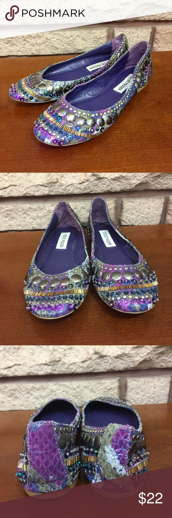 Steve Madden Bejeweled Flats Super cute and in great shape. The beading is so gorgeous and the bottoms are showing a tad bit of wear (pictured). Steve Madden Shoes Flats & Loafers