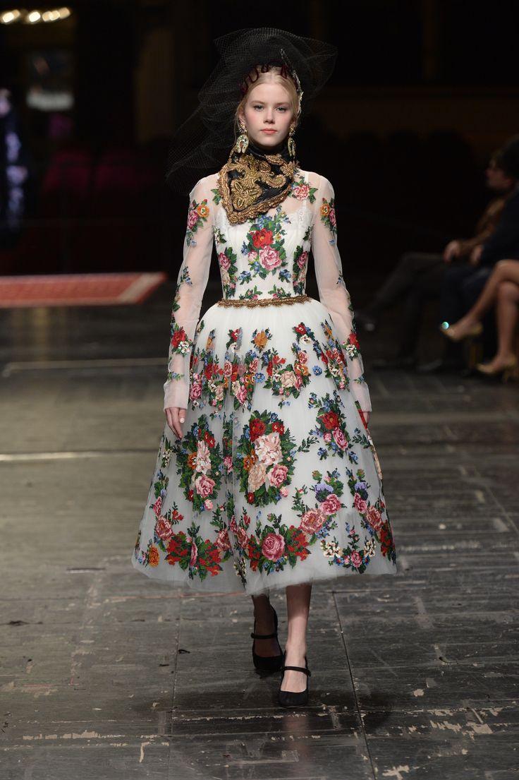 Dolce & Gabbana Haute couture Spring/Summer 2016 HAUTE COUTURE Fashion  Show #fashion #springfashion #springfashion2016