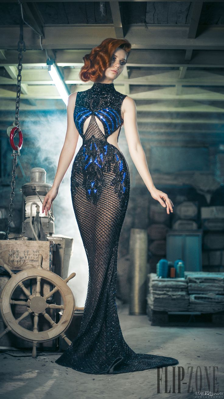 Charbel Zoe Automne-hiver 2014-2015 - Haute couture - http://www.flip-zone.fr/fashion/couture-1/independant-designers/charbel-zoe-4849
