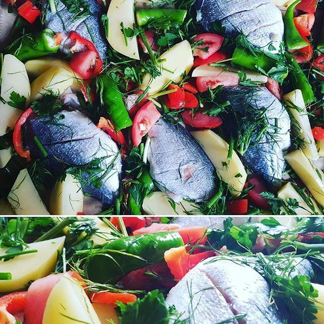 Balığım hazır 🔥🍴🐟 #lunch #dinner #turkey #turkish #foodporn #foodblog #foodie #food #instafood #instamood #l4l #likeback #like4follow #like4likes #followback #photooftheday #tagsforlikes #fish #vegetables #vegan #recipe #yemek #balik #yemektarifleri #evyemek #yummy  Yummery - best recipes. Follow Us! #foodporn