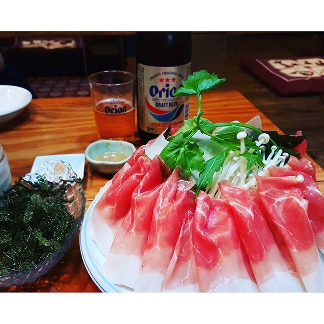 【sukimaji_tabi】さんのInstagramをピンしています。 《沖縄と言えばアグー豚🐽 しゃぶしゃぶで食べるとヘルシーで、お肉の旨味をより一層感じられます!  #沖縄 #那覇 #国内 #旅 #旅行 #女子旅 #夏 #秋休み #trip #海 #スキマジ #スキマジ旅 #トラベル #海外旅行 #家族旅行 #リゾート #穴場 #ビーチ #beach #景色 #カメラ #写真 #フォト #カメラ女子 #デート #お酒 #週末 #お洒落 #肉  #飯テロ》
