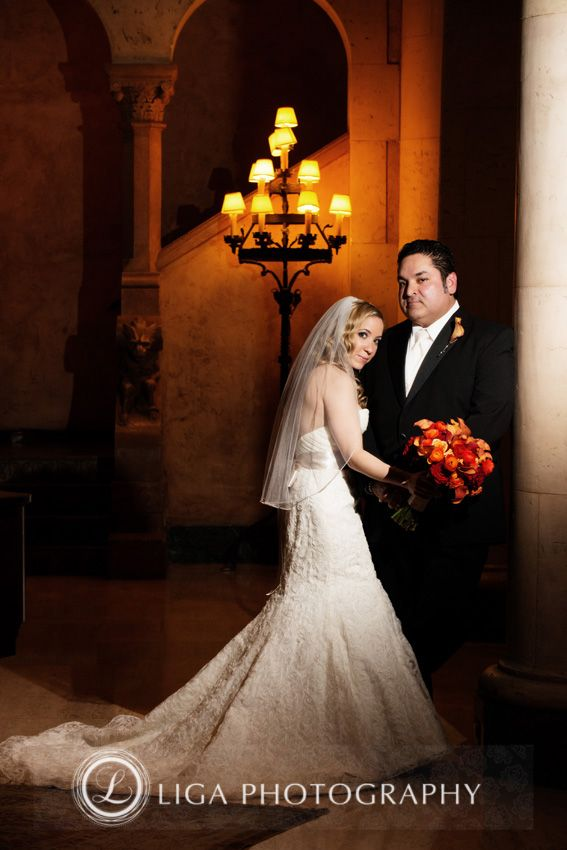 ligaphotography.com // Jackie & Enrique's Wedding #biltmoremiami #biltmoremiamiweddings #miamiweddings #floridaweddings #floridaweddingvenue #miamiweddingvenue #southfloridaweddings #southfloridaweddingvenue #ligaphotography #weddingportraits #brideandgroom