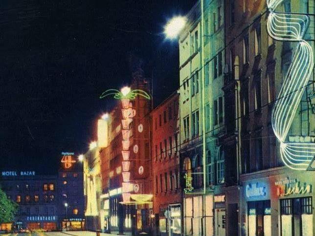 Neonowy Poznań w latach 70-tych.