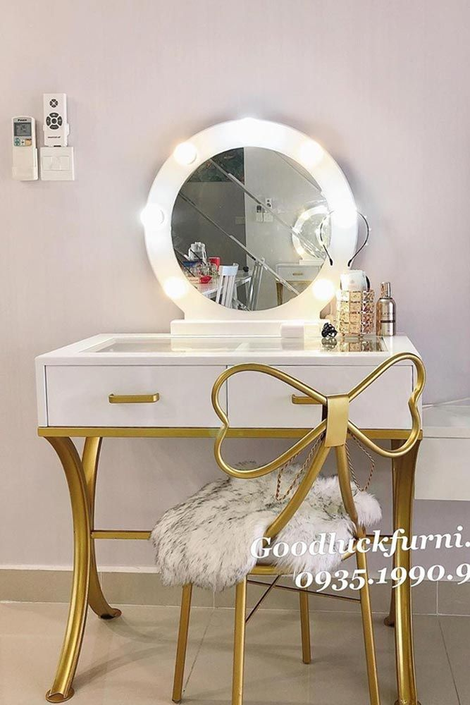 42 Makeup Vanity Table Designs To Decorate Your Home Modern Vanity Table Vanity Table Home Decor