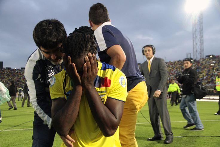 Felipe Caicedo lloró al final del partido.