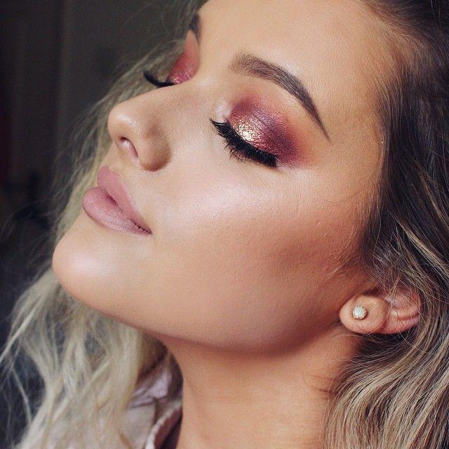 "@morphebrushes jaclyn hill palette, @australiscosmetics metallic shadow ""gold gaga"" & @occmakeup glitter ""beige""✖️lips ⇨ @janeiredale lipliner ""nude"" w @katvondbeauty lipstick ""agatha"" ♥"