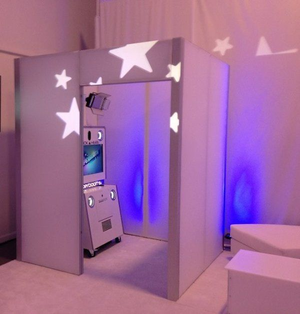18 Photo Booth Ideas & Cool Photo Booths, Super Booth from Interactive Entertainment Group - mazelmoments.com