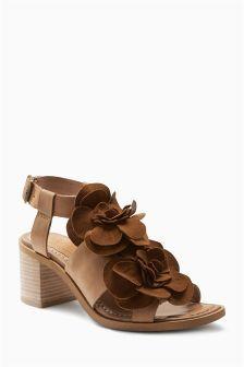 Светло-коричневые кожаные сандалии с цветами