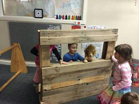 Simple pallet puppet theatre