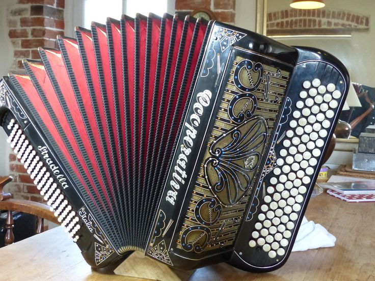 Cooperativa 4 voice chromatic accordion B system with Belgian bass, Stradella, Italy (1950s)