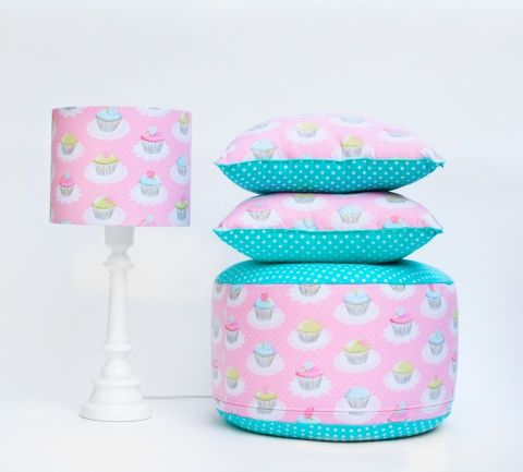 http://www.lampsandco.eu/kategoria/our-collections/puf-rozowy-deser