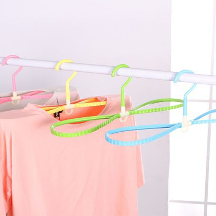 1Pcs Rotary Stereo Suspension Dry and Wet Plastic Anti - Slip Hanger Colorful Multi-functional Hanger Hanging Clothes Racks