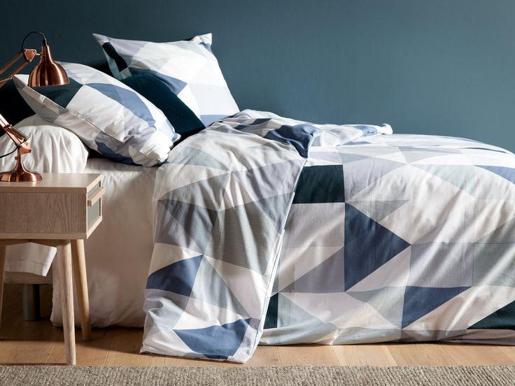 Parure housse de couette 240x220cm + taies coton triangle géométrique bleu/gris TREKA