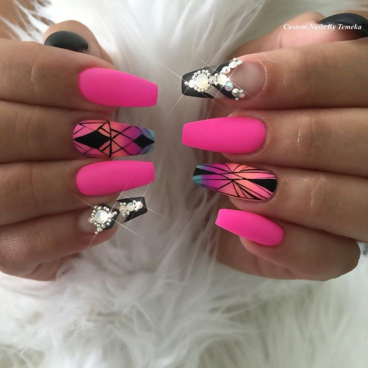 "1,043 Likes, 33 Comments - CustomTnails (@customtnails1) on Instagram: "" Rock Star Chic Custom for @bessyboob  Customer inspiration @nailsbymztina with a CustomT Twist…"""
