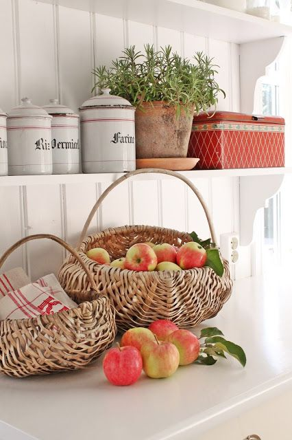 E' in arrivo la nuova collezione Angelica Home&Country dedicata alle mele. WWW.MRS-HOUSE.COM