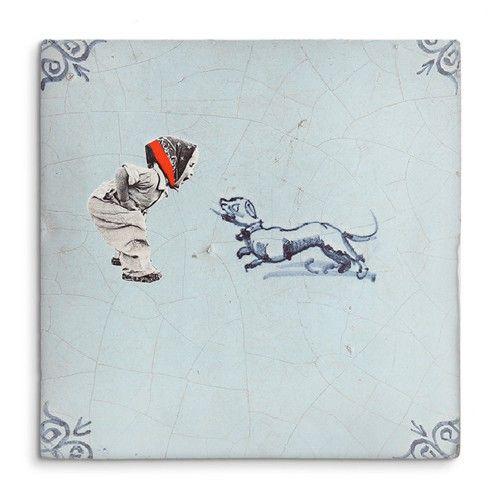 De StoryTiles collectie bestaat uit twee series: Oud Hollandse tegels en Moderne tegels. StoryTiles worden geleverd met een ophangsysteem, en bijna elke tegel is verkrijgbaar in de volgende maten: • Small (Little StoryTile): 10x10 cm • Medium (Oud Hollands Tegel Formaat): 13x13 cm • Large (Big Story Tile): 20x20 cm