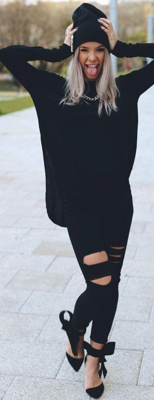 Carmen Grebenisan Black Catwoman Holiday Style Inspo #Fashionistas