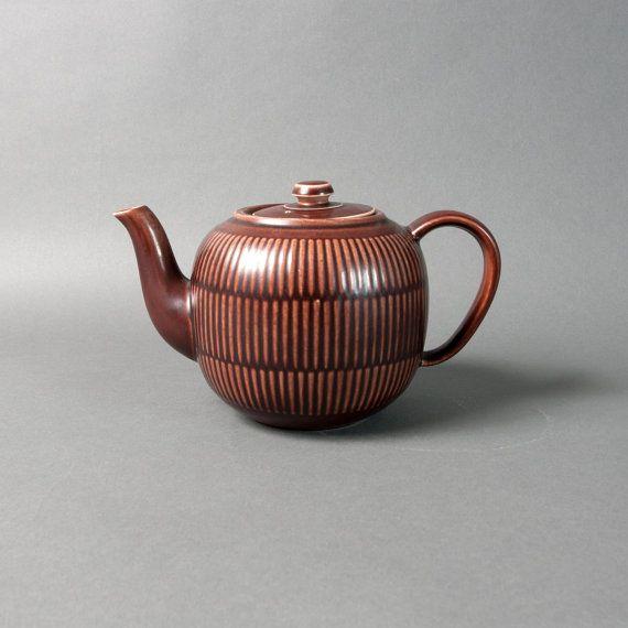 Beautiful vintage collectible Royal Copenhagen Aluminia tea or coffee pot! Teapot was made by the Royal Copenhagen pottery. Teapot is in fine