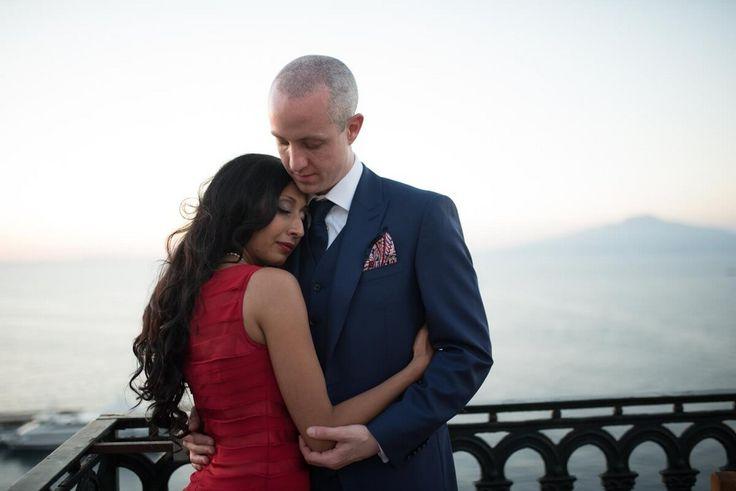 Day 2 of this stunning Indian Wedding Celebration in Sorrento with Seema and Duncan. #indianwedding #hinduceremony #mandap #gazeob #roses #saree #indianbride #sorrento #italy #hoteleuropa #destinationwedding #indianweddingabroad #weddingabroad #italy #amalficoast