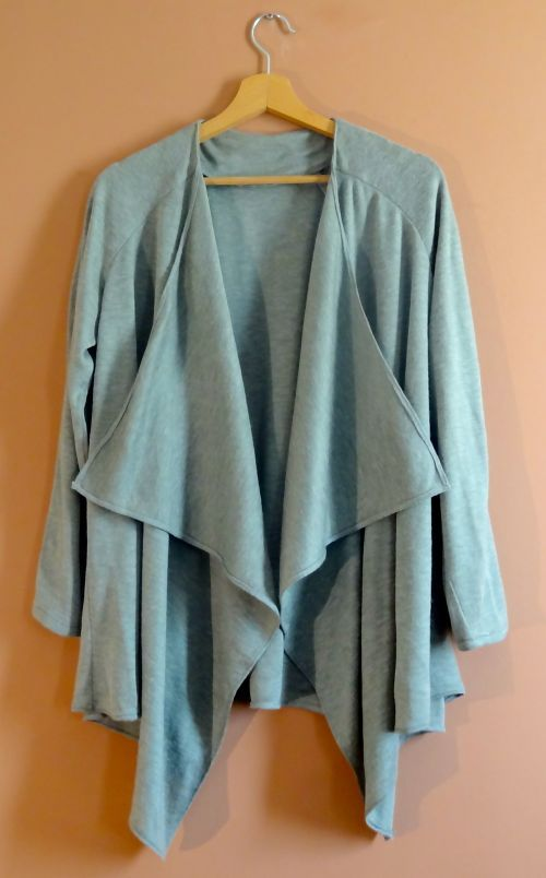 Light grey waterfall blazer. This is a great casual item. It goes perfect with dark wash jeans or black pants. It's super versatile so style it up or down for an easy, quick and out the door look. See it here: http://noomi.ro/product/blazer-casual-gri/