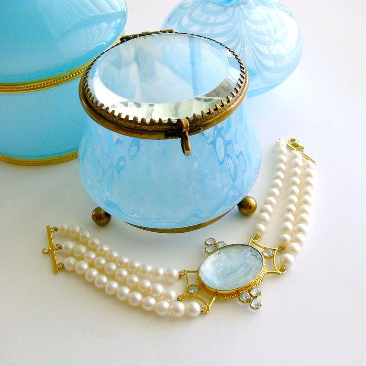 #4 Alberobello Bracelet - Blue Topaz Pearls Intaglio Bracelet