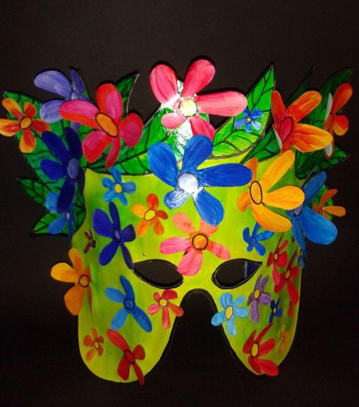 Nurvero ; La vie en classe a trouvé : Masques_Buisson fleuri (fini)