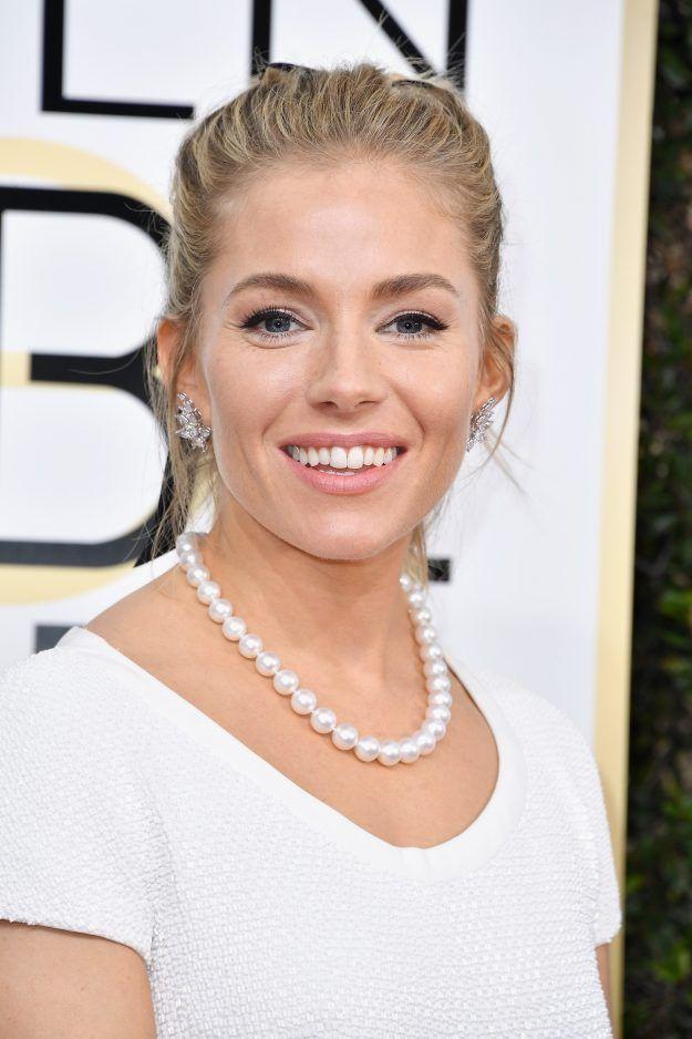 Sienna Miller at the 2017 Golden Globes