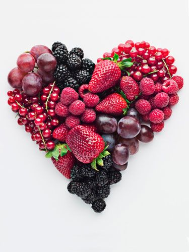 Get Very Berry - Berries and cherries are full of antioxidants, which help your skin by combating the aging-process and preventing wrinkles.  #NewYearTips