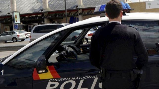 Detenido un joven por intentar atropellar a la expareja de su novia en Valencia