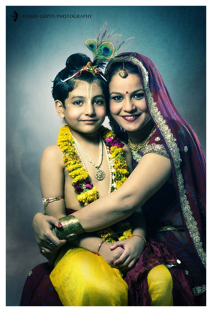 According to hindu mythology, the 8th incarnation of Hindu God Vishnu was Lord Krishna. The birth anniversary of Lord Krishna is observed as Janmashtami across India. This is a conceptual photo shoot of Krishna with his mother Yashoda.
