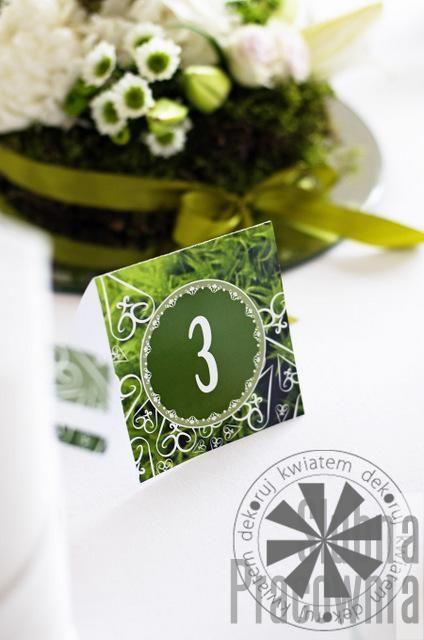 zielony numerek stołu weselnego
