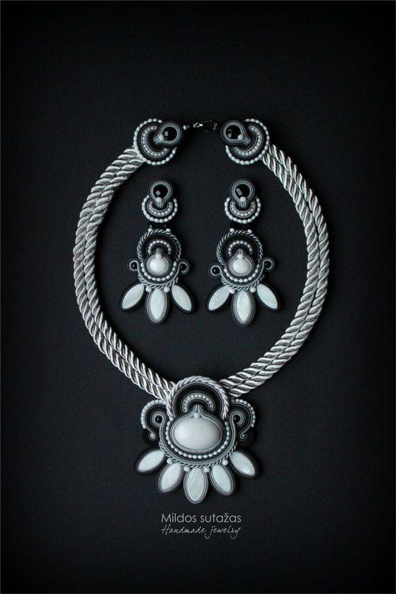 Handmade soutache necklace and earrings от Mildossutazas на Etsy