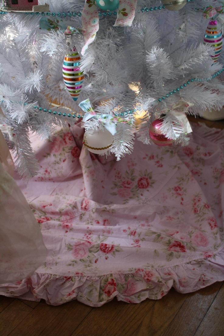Rachel Ashwell Tree Skirt