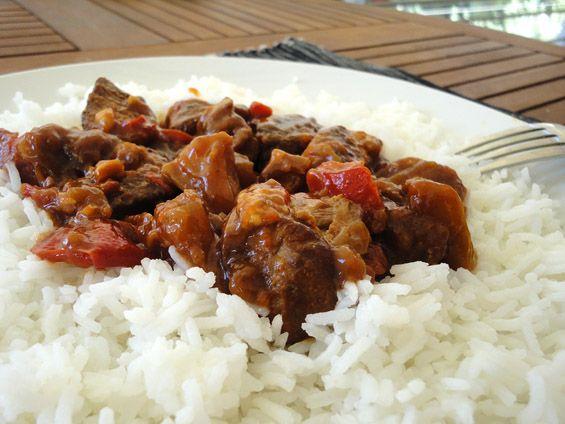 Σχετικά άρθρα: Χοιρινό με δαμάσκηνα Χοιρινό με λάχανο αυγολέμονο Μοσχάρι με νουντλς και σάλτσα σόγιας Κινεζοειδές χοιρινό με λαχανικά Χοιρινό πρασοσέλινο με σελινόριζα Κοτόπουλο με...