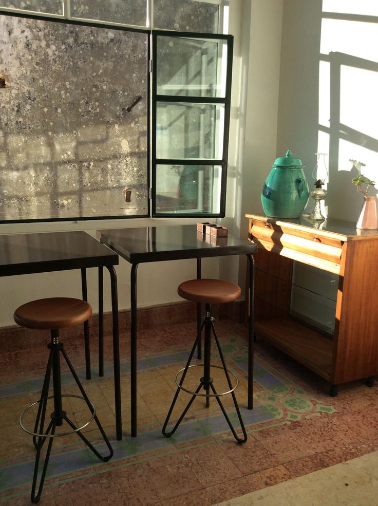 Adico extrahigh-worktables in our apartment in Lisbon.#adico