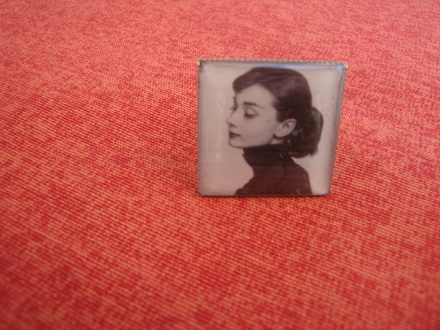 Square resin ring with the unforgettable Audrey Hepburn