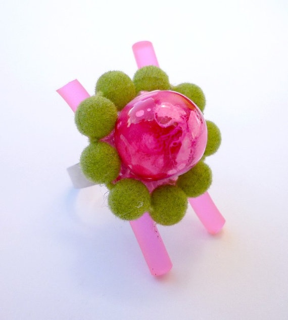 Ring Neon pink fantasy by wandadesign on Etsy, €15.00