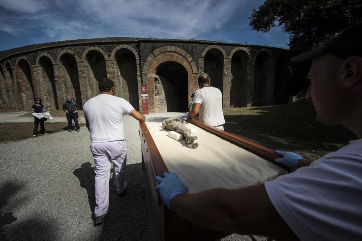 New scans show victims of ancient Pompeii eruption