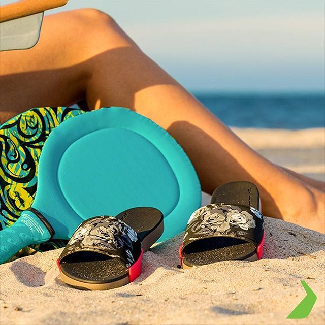 Ahh, Summer, our favorite season. Welcome back! #summer #summer2017 #rider #ridersandals #lifeaholic #sandals #shoes #tsakalian #tsakalianshoes #piraeus